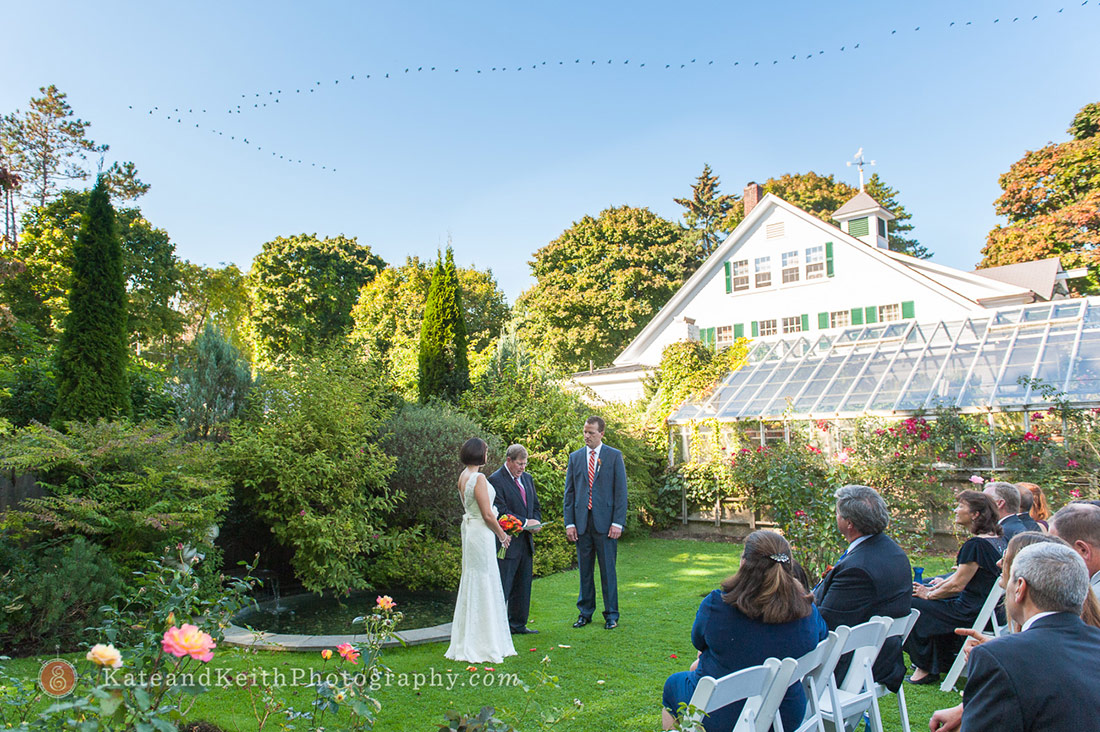 Birds flying over Fuller Gardens wedding