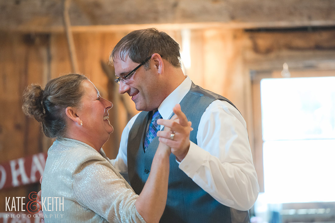 Tumbledown Farm NH wedding photographer in NH lakes region
